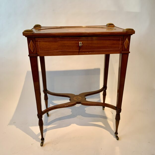 Sewing table by Qvarnberg